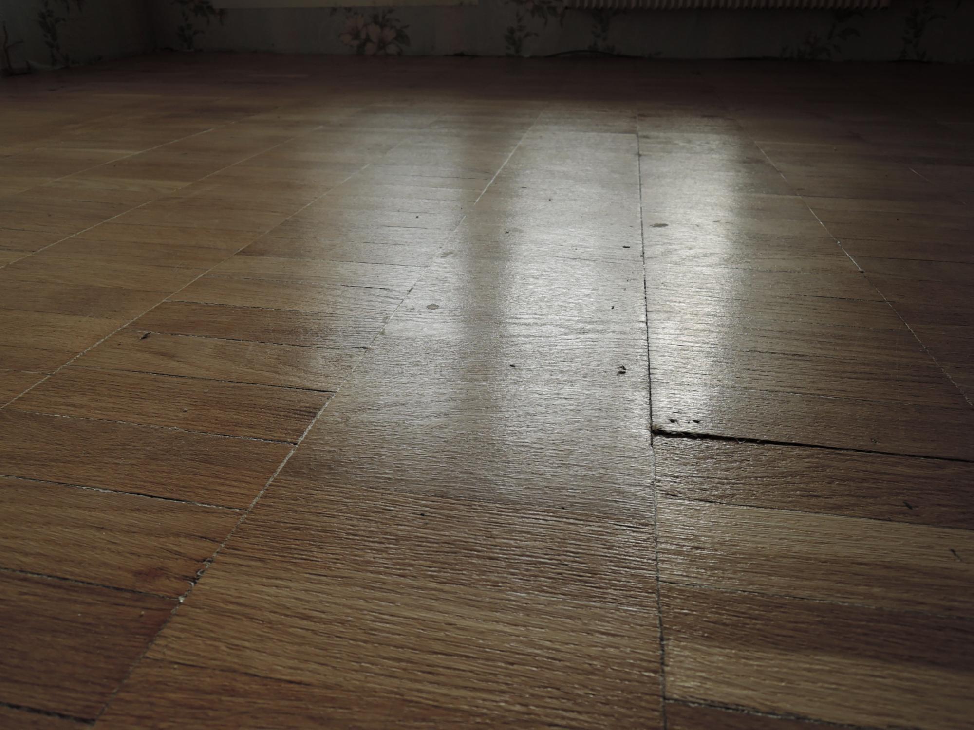 How to clean commercial vinyl tile floors